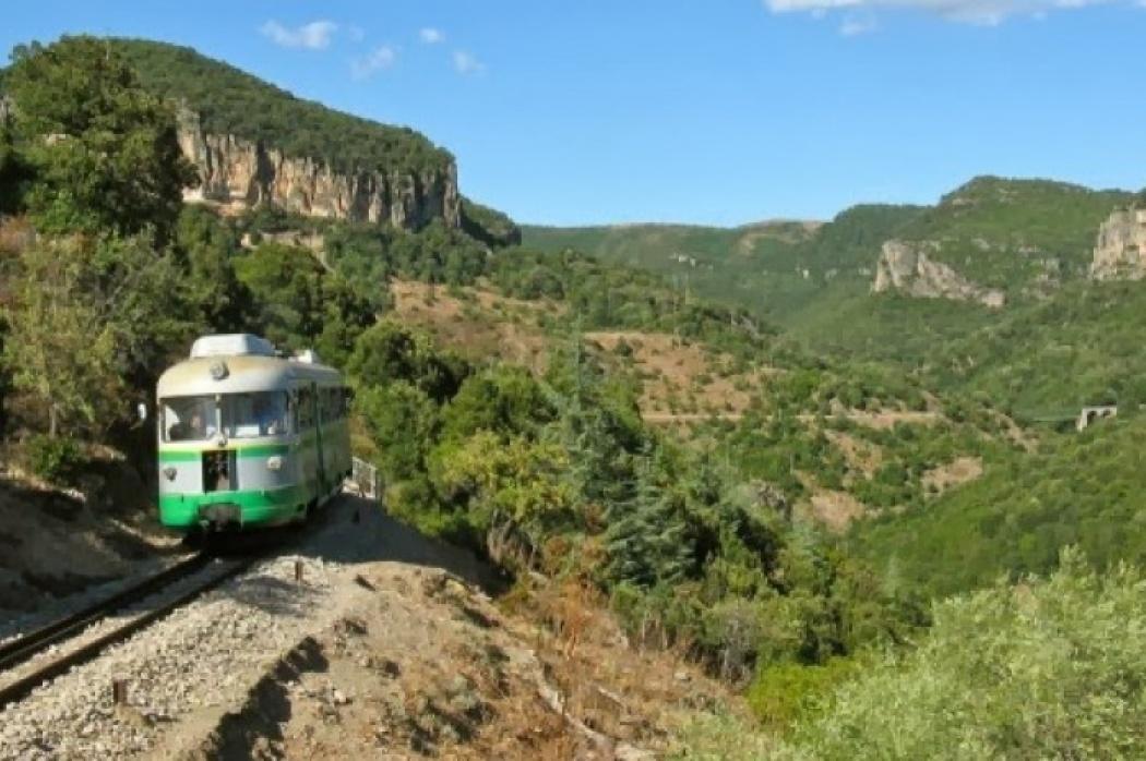 Trenino-verde_incoming_renata_travel