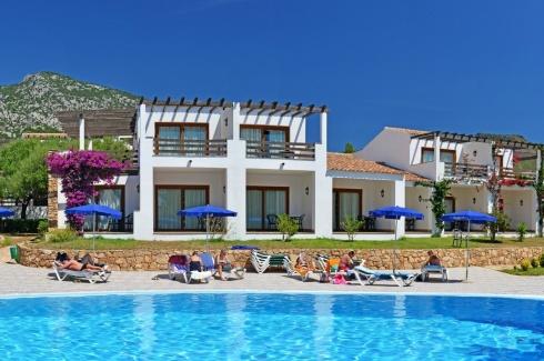 Particolare Borgo + piscina esclusiva