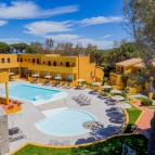 Outdoor pool (8)